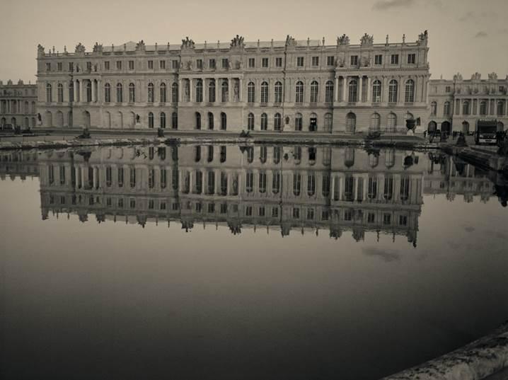 シャネル・ネクサス・ホール<br>「VERSAILLES A L'OMBRE DU SOLEIL太陽の宮殿 ヴェルサイユの光と影」<br>カール ラガーフェルド写真展 開催