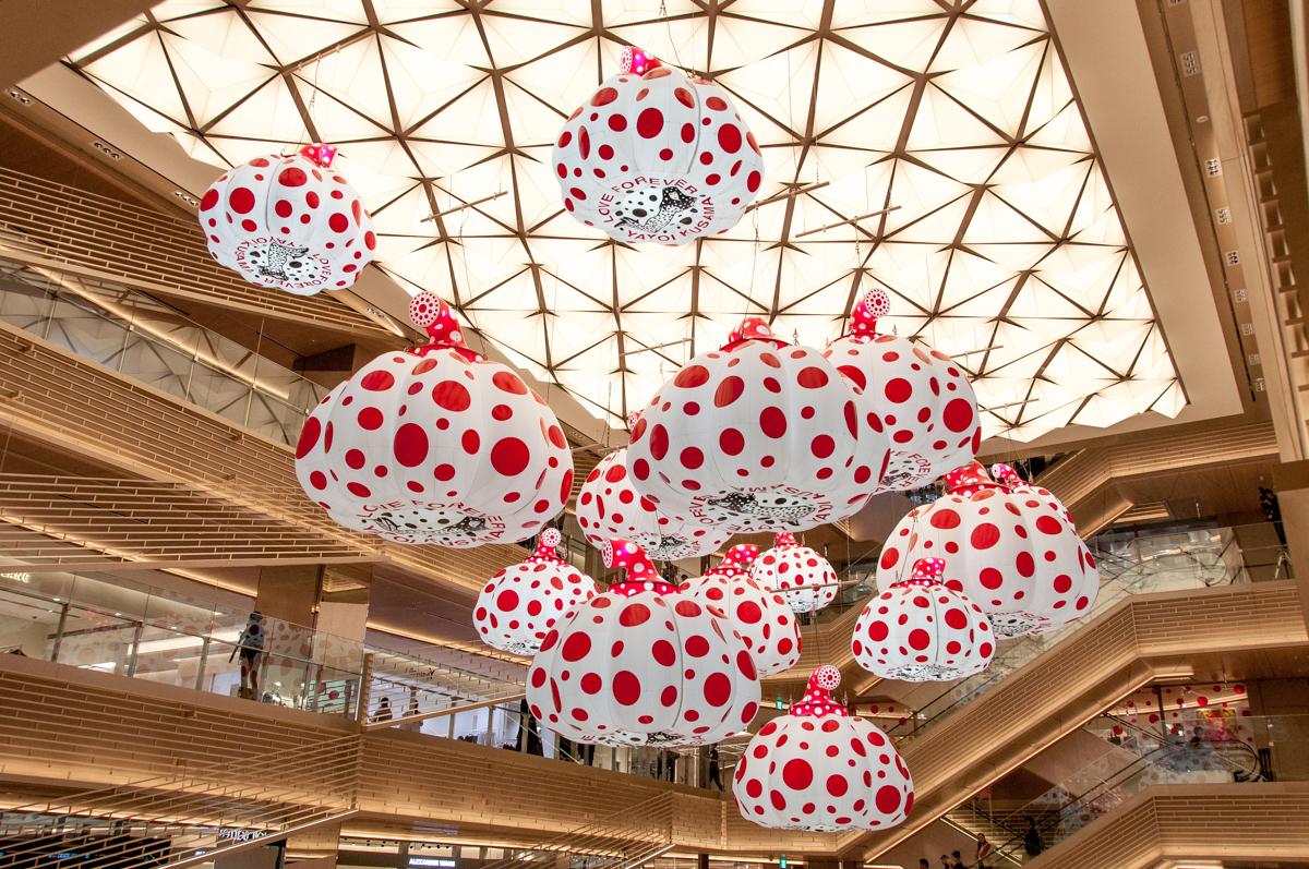 草間彌生、杉本博司、チームラボ、現代美術から能楽堂まで「GINZA SIX」にはアートが盛りだくさん。椎名林檎とトータス松本によるスペシャルムービー本日解禁!
