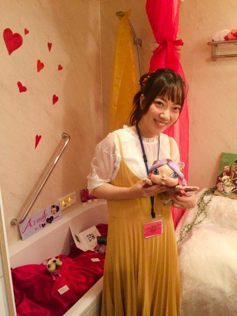 ありmofuはバスルームで展示