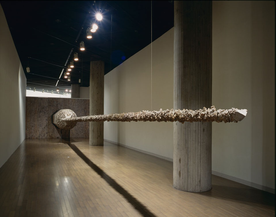 戸谷成雄―現れる彫刻