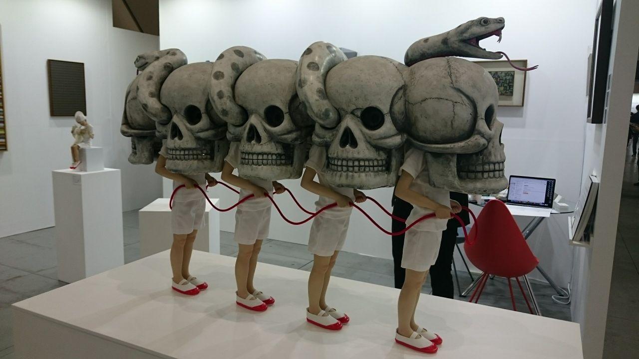 「アートフェア東京2018」を訪ねて─美のカオスの中に浮上した〈工芸化〉の流れ