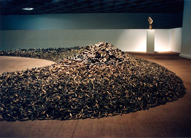 榎忠《薬莢》1991年 撮影:榎忠  ©Chu Enoki